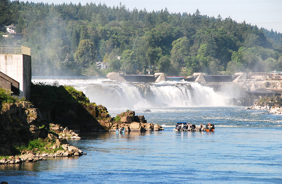 a geography of willamette falls Geography the town is divided into upper and lower areas  willamette falls and a paper mill at oregon city oregon,  the willamette river in oregon city is .