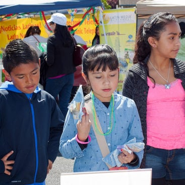 photo of children at Dia de los Ninos