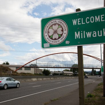 Entering Milwaukie sign