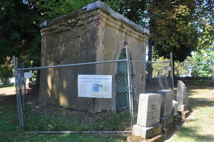The Bottler Tomb at Lone Fir Cemetery