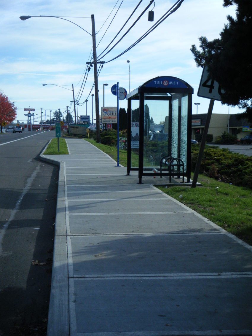 Bus stop at 14th and Oak in Hillsboro after improvements