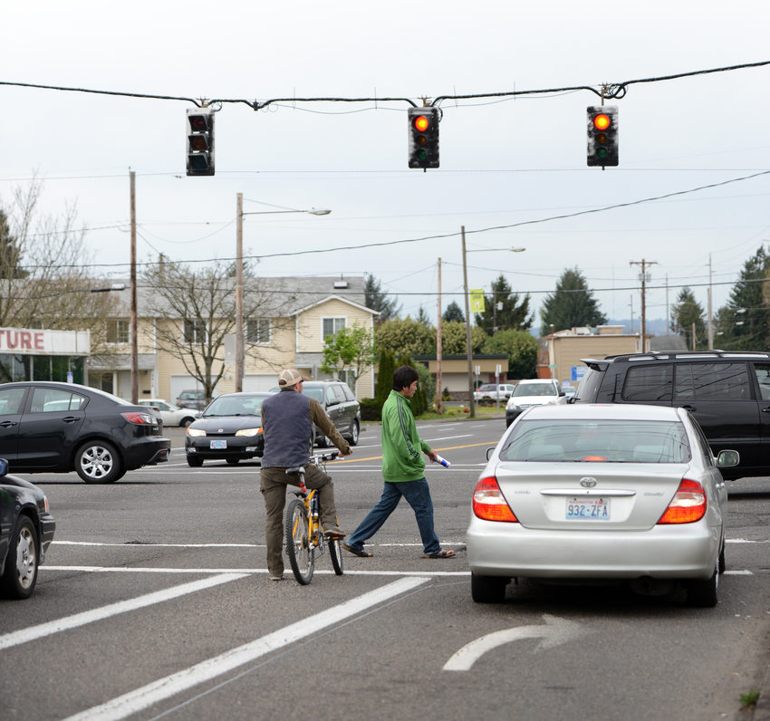 Traffic, bicycle and pedestrian at 82nd and Division