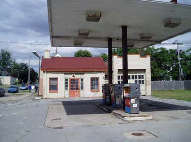 Buffalo gas station