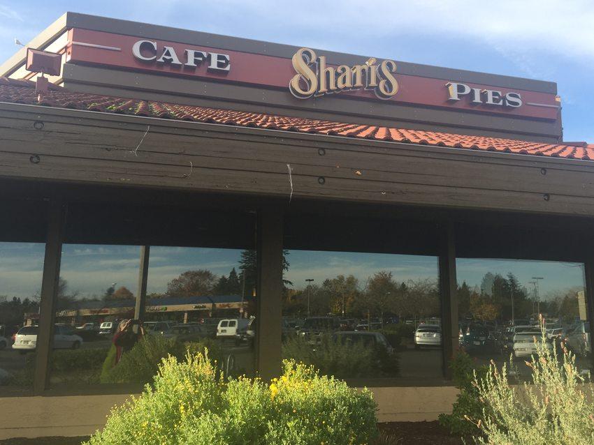 photo of Shari's restaurant