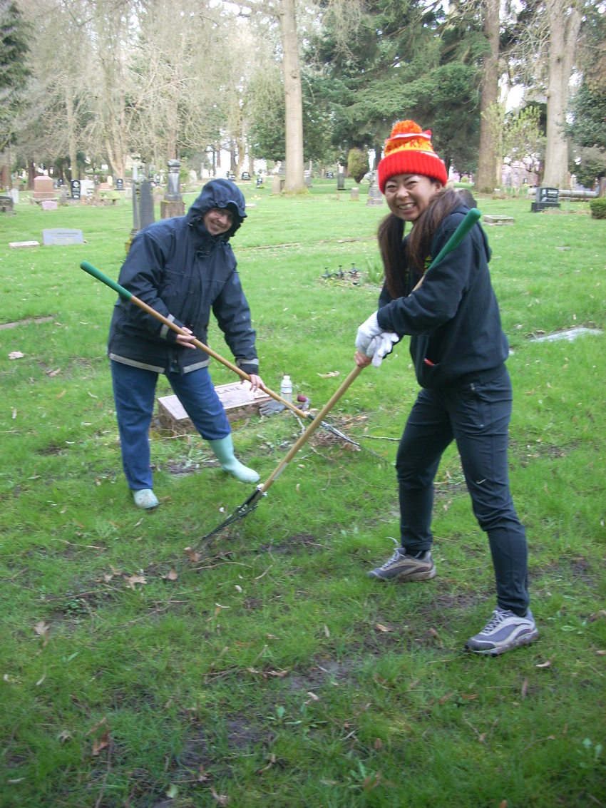 Central Catholic Teachers volunteer at Lone Fir Cemetery