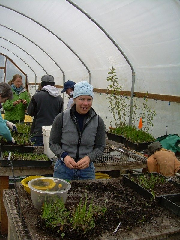 Native Plant Center Volunteer venture winter activity