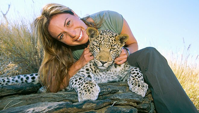 Mireya Mayor poses with a leopard
