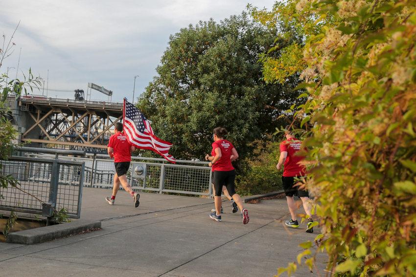 Runners on Vera Katz Eastbank Esplanade