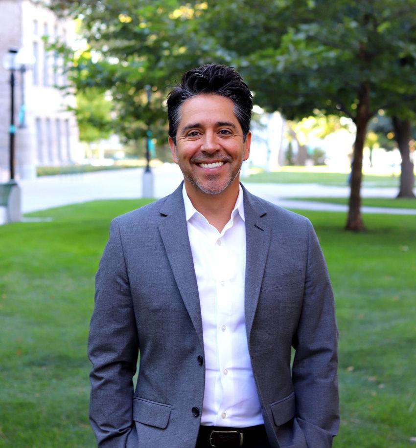 Metro human resources director Julio Garcia