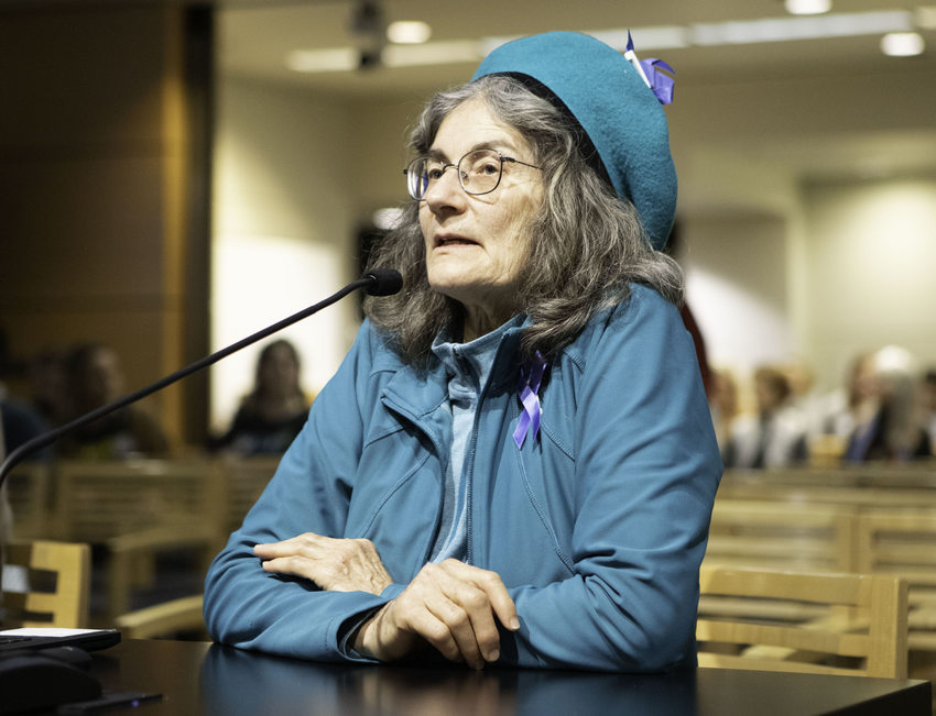Edith Gillis testifies at Metro Council public hearing