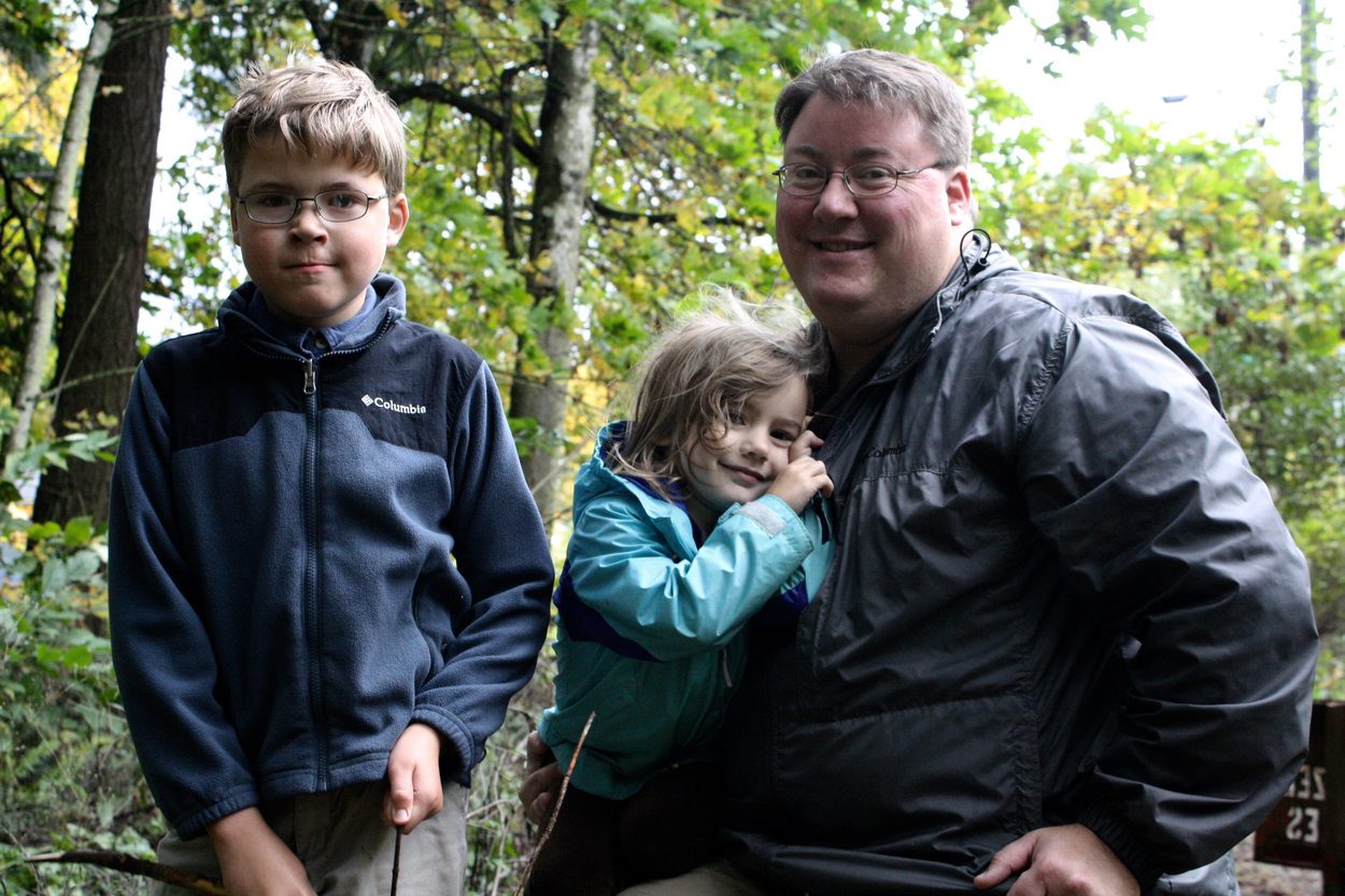 photo of Michael Barton and family