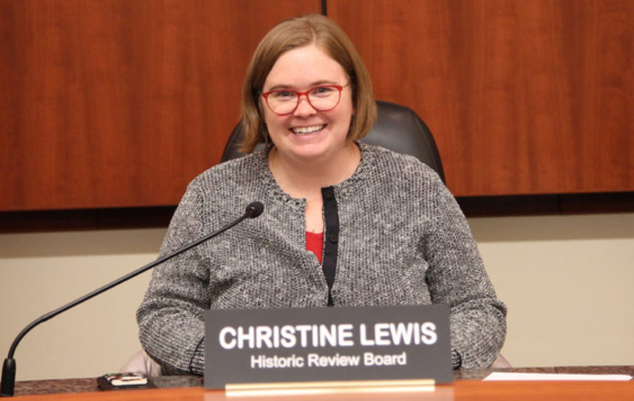 Metro Councilor Christine Lewis at a meeting of the Historic Review Board