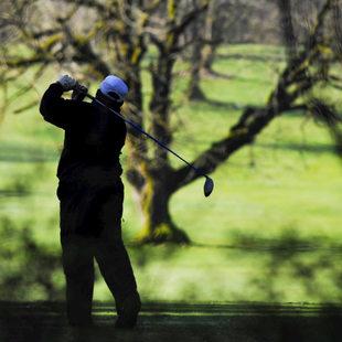 photo of a golfer at Glendoveer