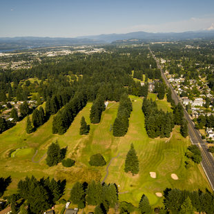 aerial photo of Glendoveer Golf Course