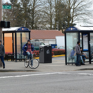82nd and Division bus stops