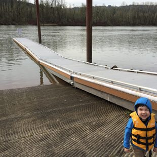 photo of new Sauvie Island Boat Ramp dock