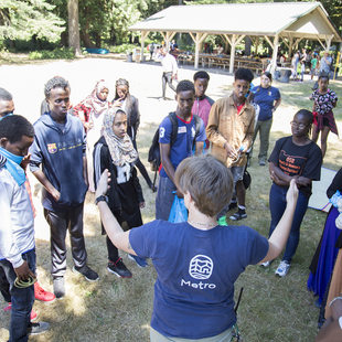 naturalist teaching a class to kids at Oxbow Regional Park