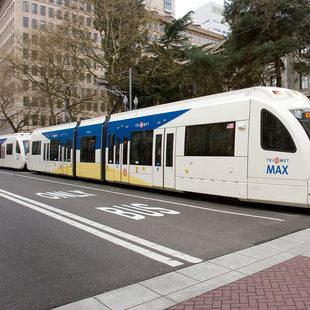 A MAX train on SW 5th Avenue in downtown Portland