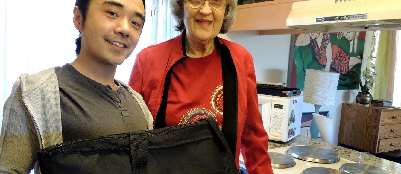 photo of Store to Door volunteers