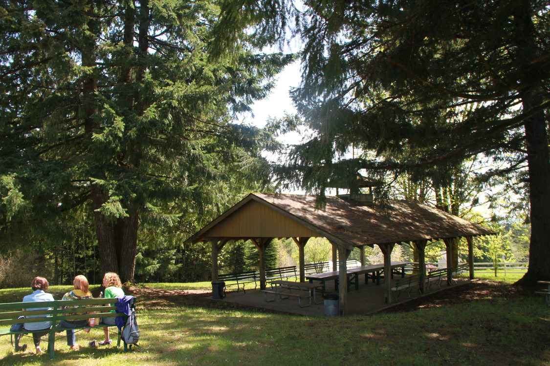 photo of the picnic shelter at Mason Hill Park
