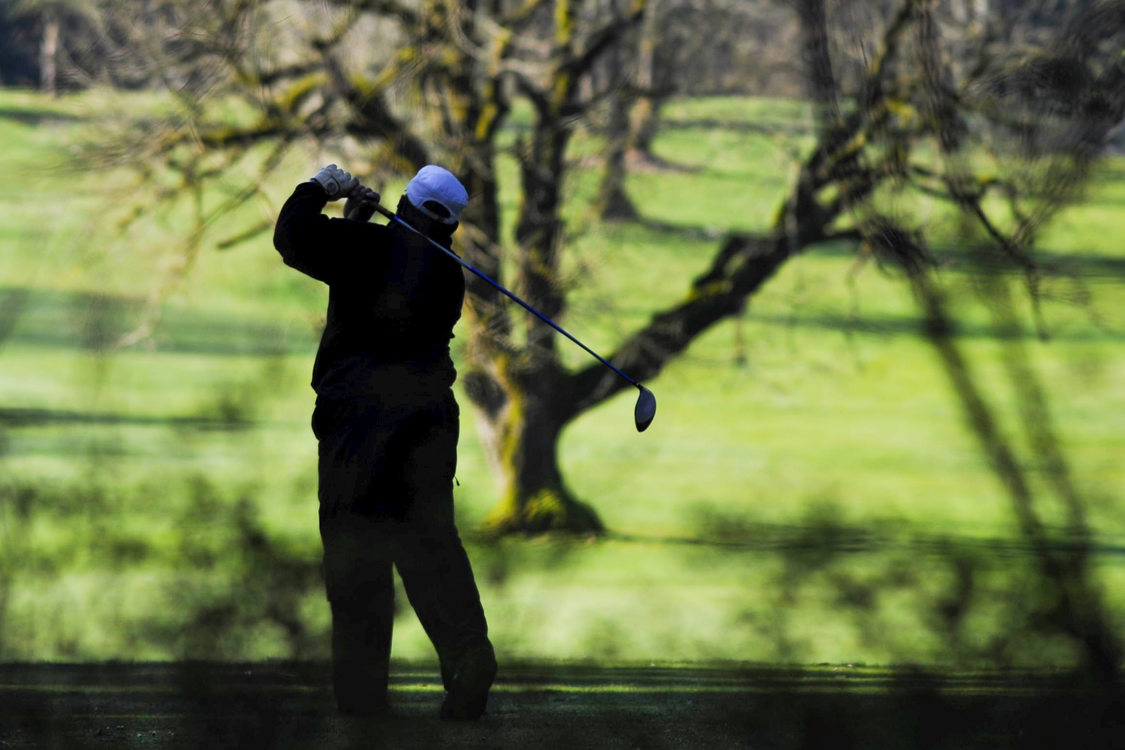 photo of a golfer at Glendoveer
