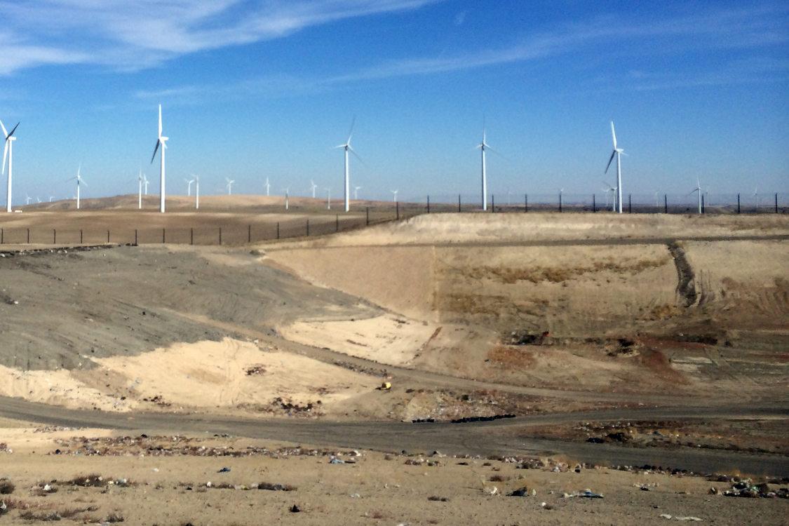 Columbia Ridge Landfill and windmills