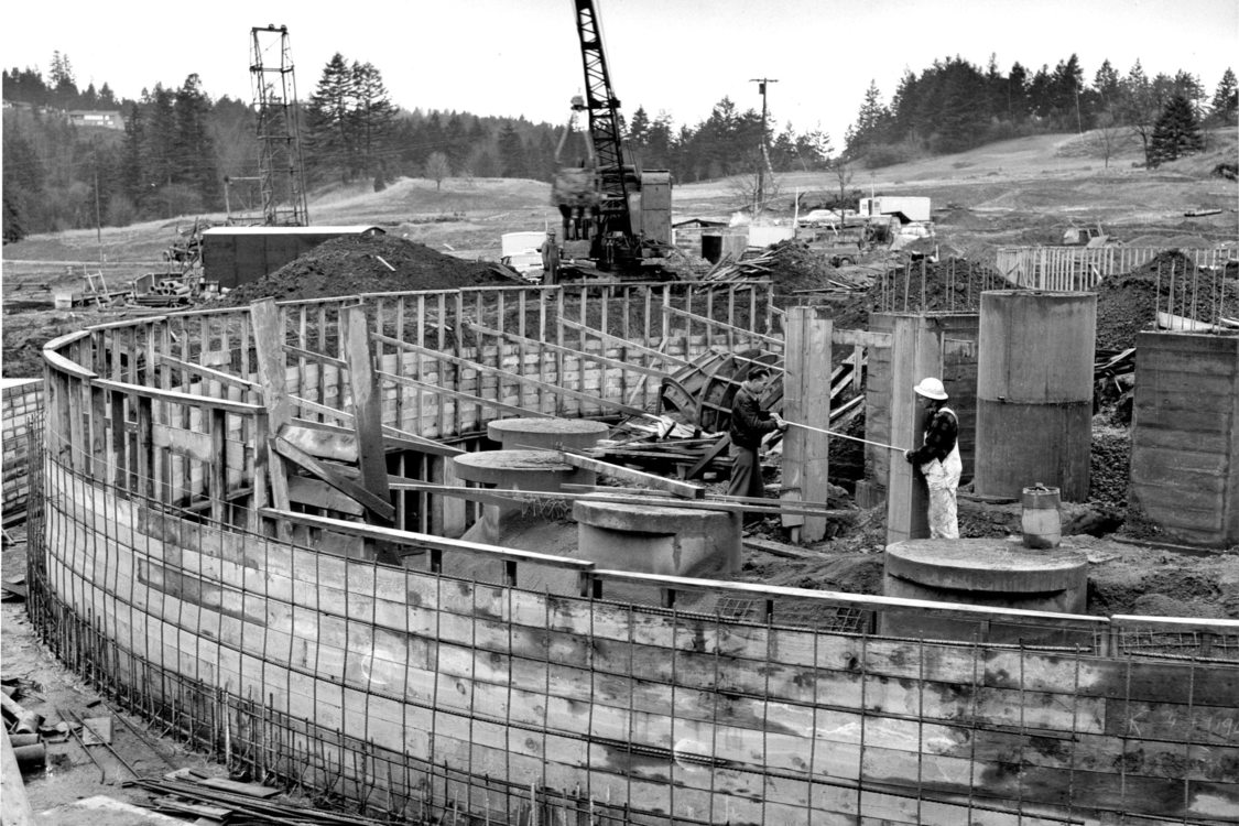 Historical photo of Oregon Zoo construction