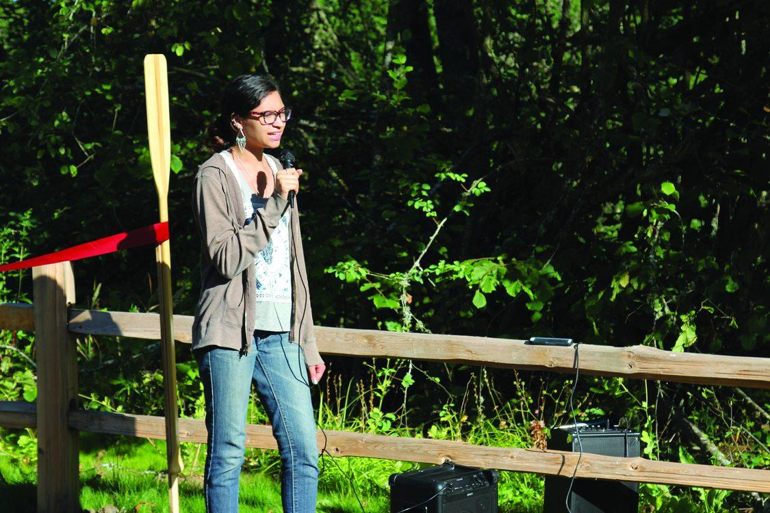 photo of Shae Bedford singing