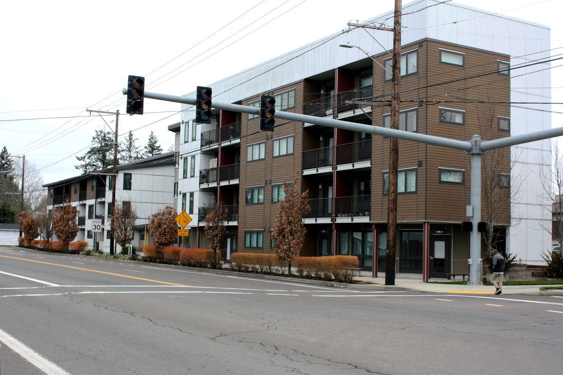 The Knoll apartments in Tigard, Oregon