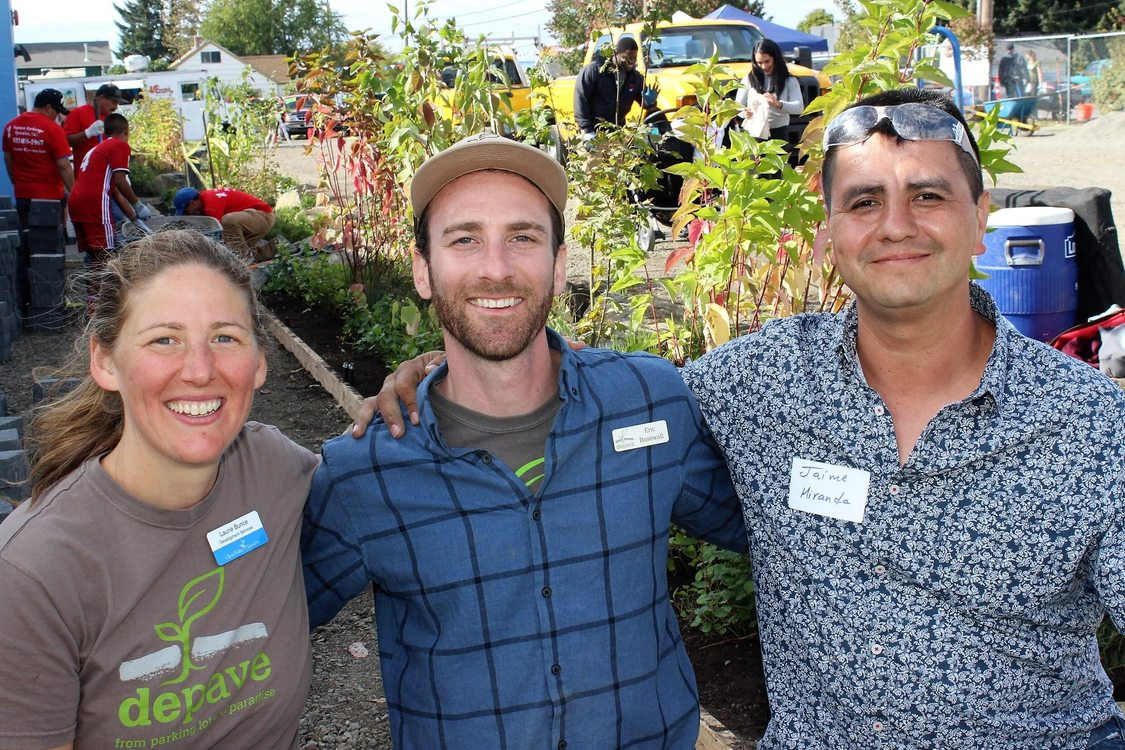 Photo: From left to right: Laurie Bunce, Clean Water Services; Eric Rosewell, Depave; Jaime Miranda, M&M Marketplace. Photo courtesy of Depave