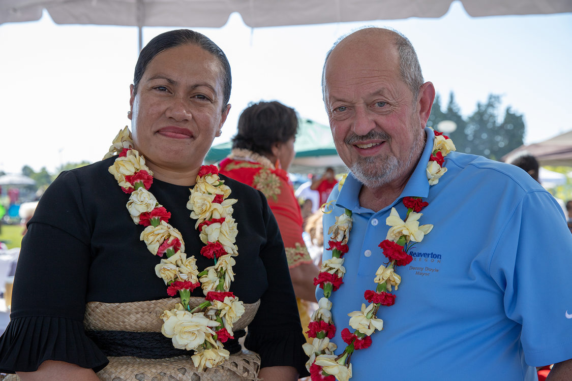 Tonga Consul General Sela Tukia and Beaverton Mayor Denny Doyle