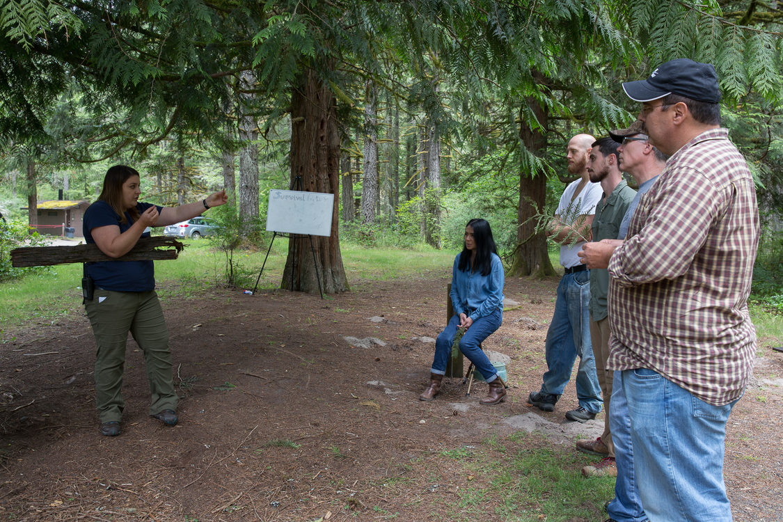 photo of survival skills class at Oxbow Regional Park