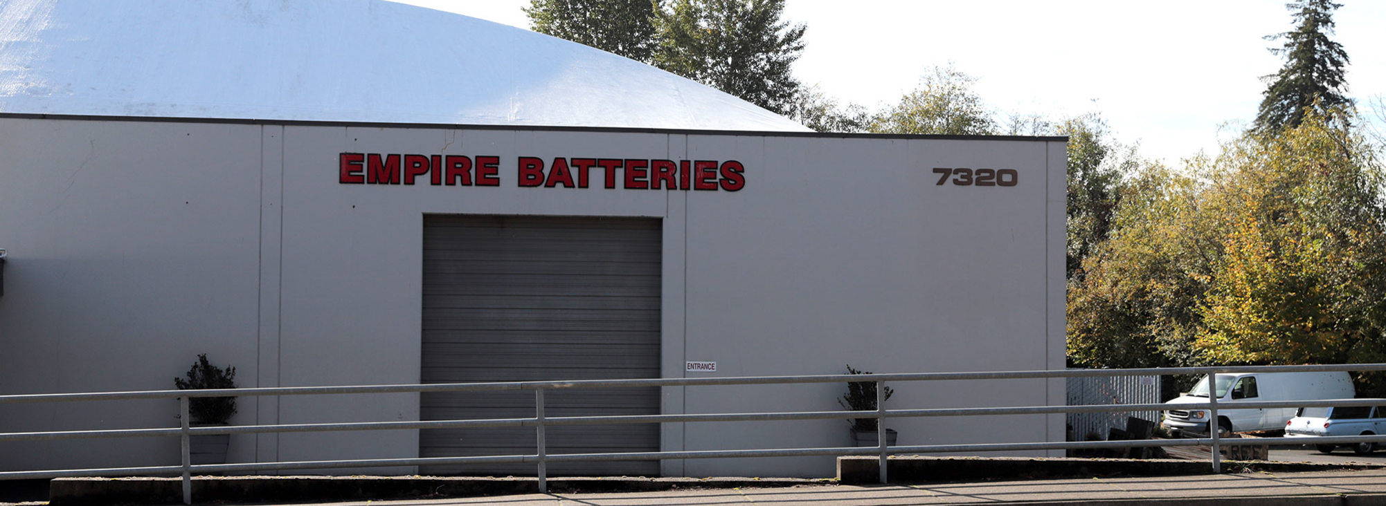 the exterior of the locally-owned business Empire Batteries in Tigard