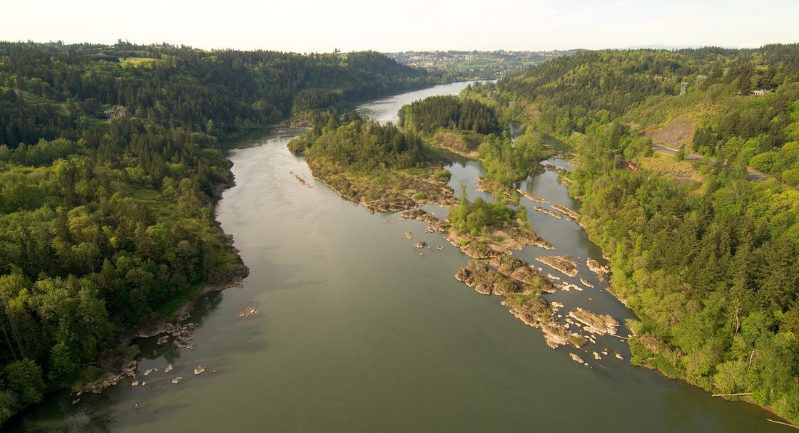 aerial photo of the Willamette Narrows